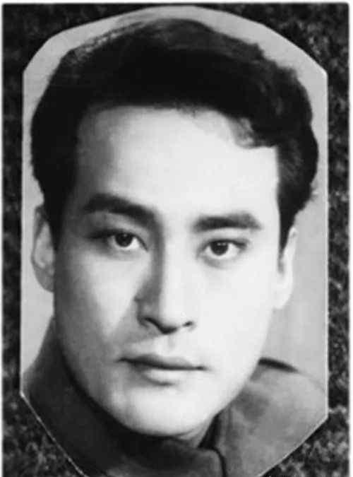 恩爱 难忘项堃,相貌英俊却总演反派,与初恋恩爱一生,儿子也成明星,94岁去世