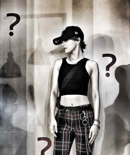 张韶涵发问号 张韶涵为何发文号秒打脸范玮琪是真的吗
