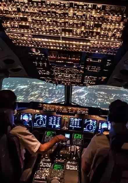 起飞的英文 民航飞行员与空管的英文对话(起飞,降落)