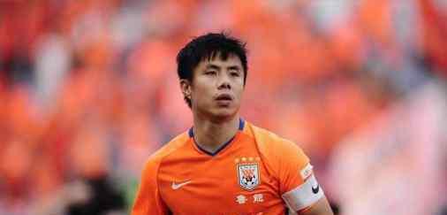 蒿俊闵人球分过 32岁的蒿俊闵把球传给23岁的自己让人泪崩