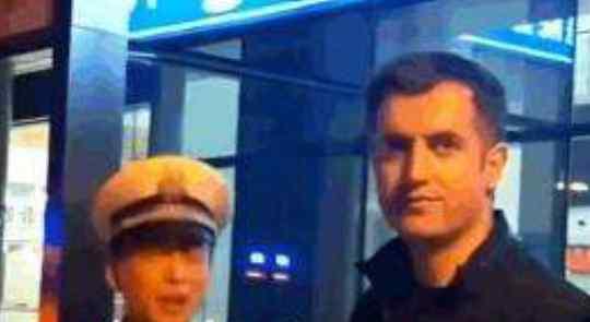 老外酒驾被查耍赖,交警怒斥在中国要遵守中国法律