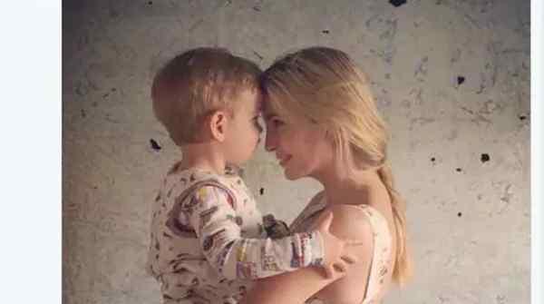 伊万卡抱儿子被狂喷,照片在一定政治因素下刺痛很多人
