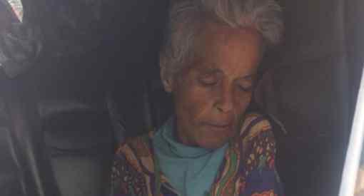 流浪老妇病死街头,人们意外发现竟是富婆