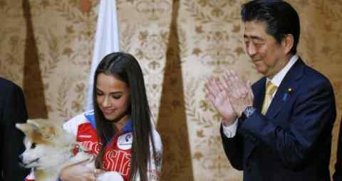 安倍赠送秋田犬,指望俄罗斯在领土问题有所让步