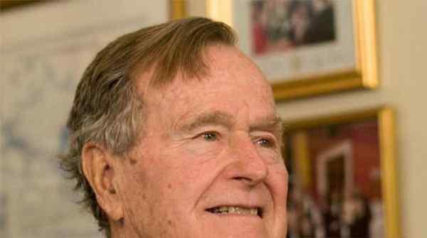 老布什灵柩抵华盛顿市郊,追悼活动如期开展