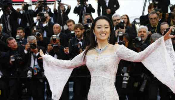 满城尽带黄金甲演员表 《满城尽带黄金甲》中的皇后,和齐刘海巩俐,谁更耀眼?
