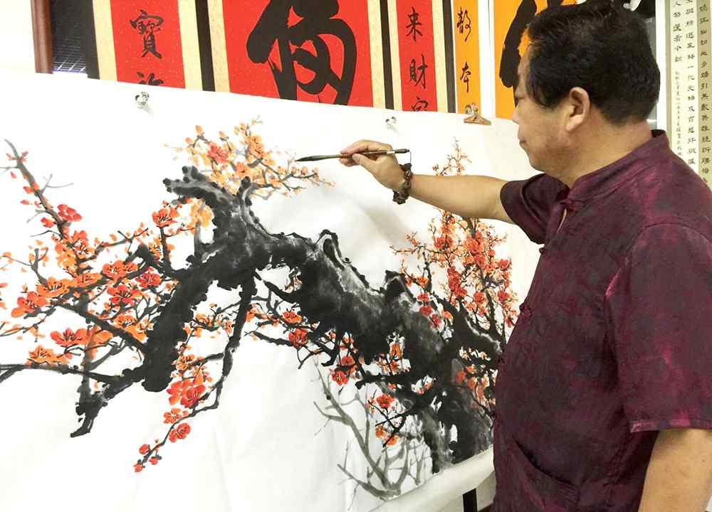 画家石峰 国内知名花鸟画家石荣禄,年已六十丹青不老