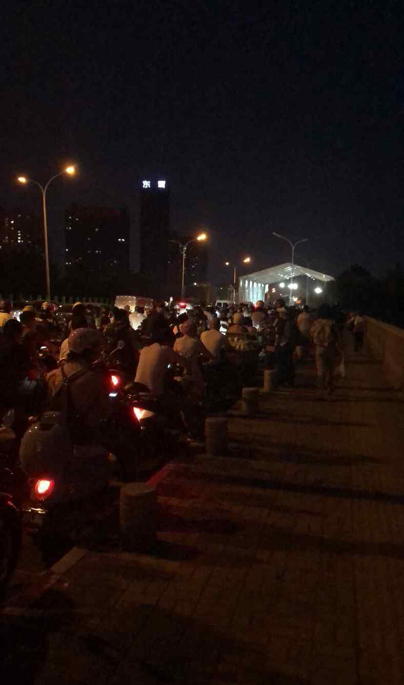家住河北燕郊在北京工作:每天在检测点排队2小时