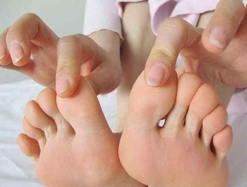 脚臭是哪个器官不好 脚臭代表身体好是真的吗?