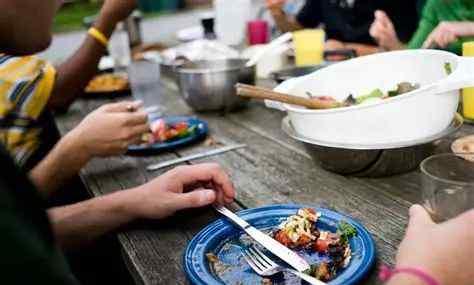 """盘子用英语怎么说 """"把盘子里的东西吃完""""用英语怎么说?"""