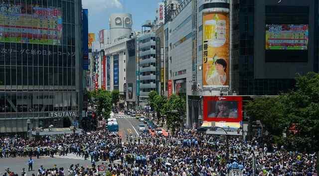 四十万日元等于多少人民币 日本人均月薪40万,那一个月生活费多少?当地华人:压力很大!