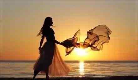 心情感慨一下 情感生活感悟经典句子:只要把心情变一下,世界就完全不同了