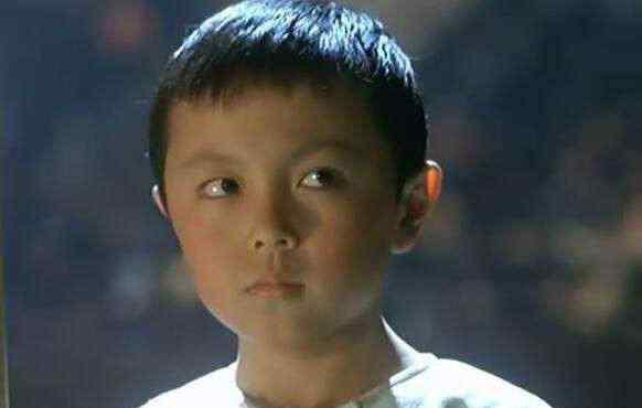 曾经和李连杰周润发一起演电影的小孩,现在却淡出众人视线
