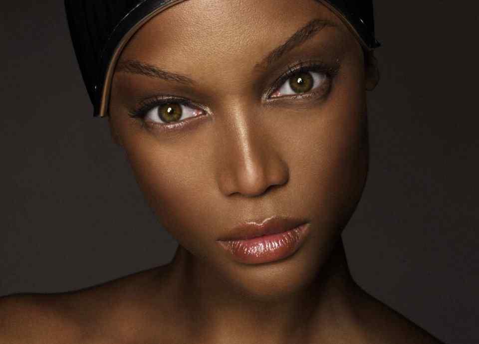 维密超模泰拉·班克斯主动站出承认整容,矫正当下整容观念的扭曲