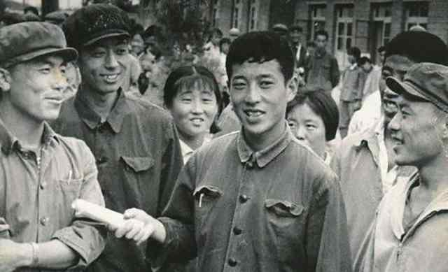 """""""白卷英雄""""张铁生:从交白卷到入狱15年,东山再起后成亿万富翁"""