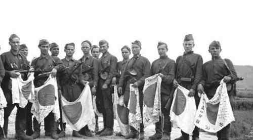 战败后的数万日军女战俘,被苏军拉回苏联当成玩物泄欲