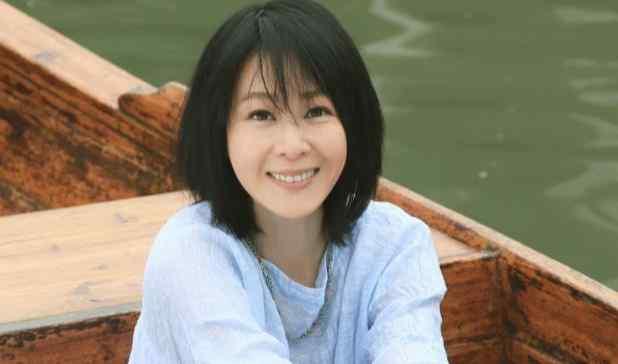 45岁高龄产子,不爱晒娃的刘若英,其实是我们都比不上的超人妈妈
