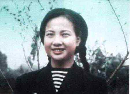 开国上将被迫离婚,毛主席:赶紧再给他找个媳妇,23岁少女答应