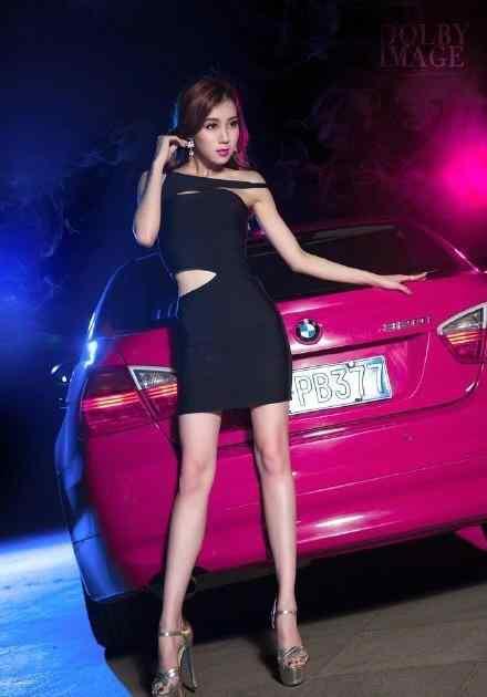 宝马车模气质出众 太有魅力 让人无心看车
