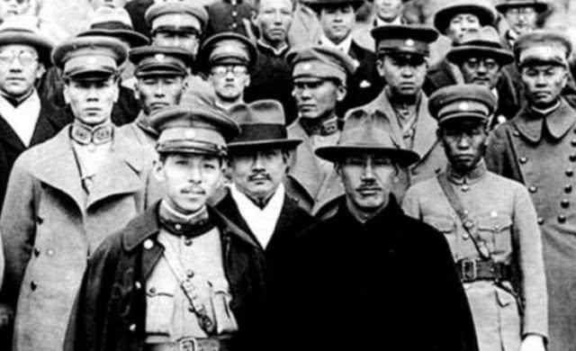 九一八事变后,拥有16万东北军的张学良,为何选择不抵抗?