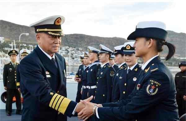 """""""红色背景""""吴胜利:原海军司令员,被授予上将军衔,现况怎样?"""