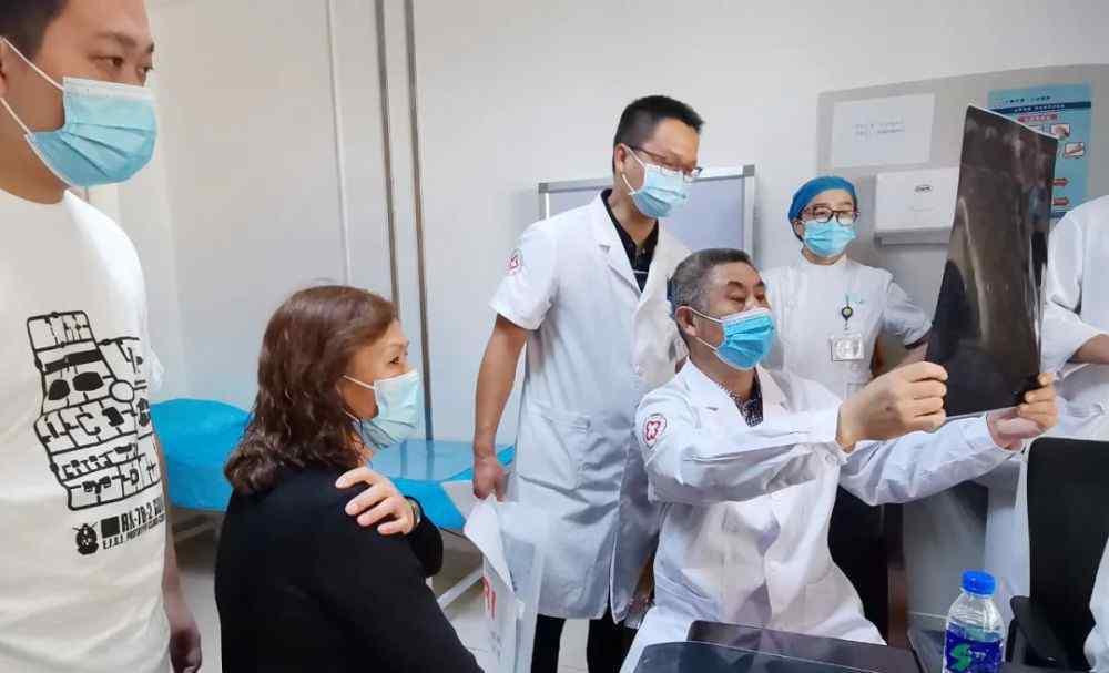 大理男子医院 专家义诊送福音 大理市第一人民医院竭力为患者